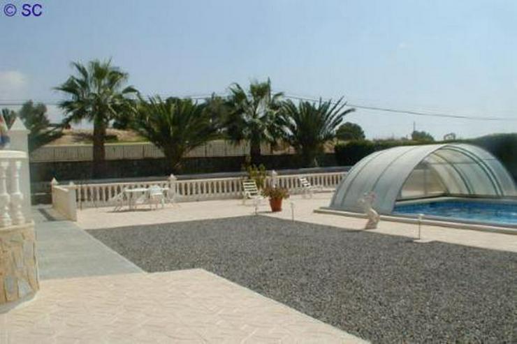 Exklusive Villa mit Pool, Poolhaus und Garage - Auslandsimmobilien - Bild 10