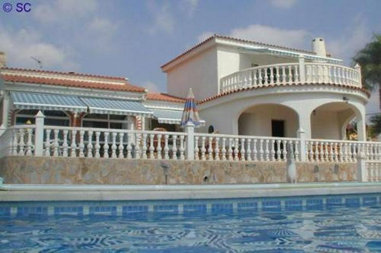 Bild 1: Exklusive Villa mit Pool, Poolhaus und Garage