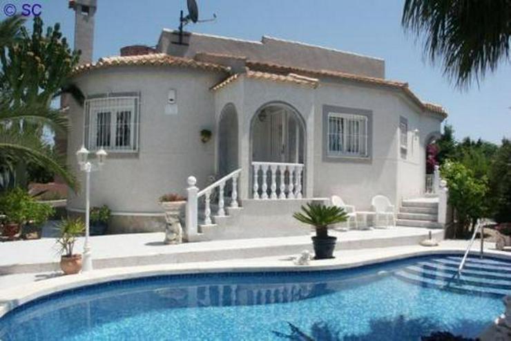 Exklusive Villa mit Pool und großem Keller