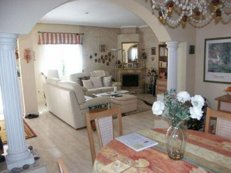 Bild 2: Villa mit Gästeappartement und Pool