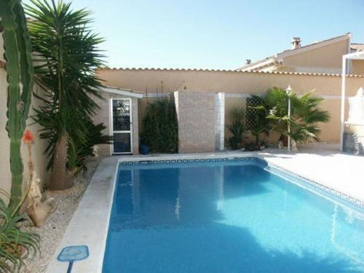 Bild 10: Villa mit Gästeappartement und Pool