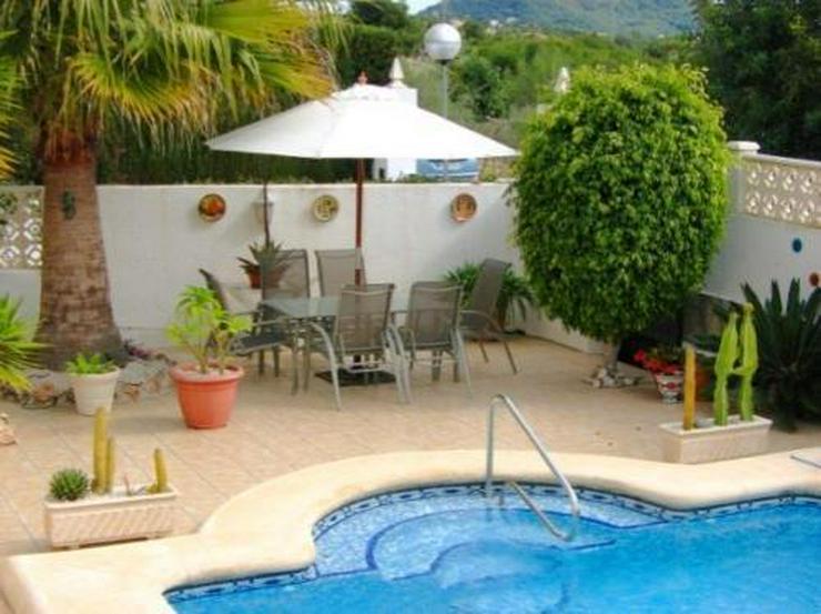 Bild 5: Villa mit Pool und Panoramablick