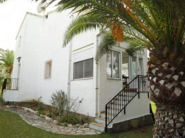 Bild 1: Reihenhaus mit Gemeinschaftspool in La Sella