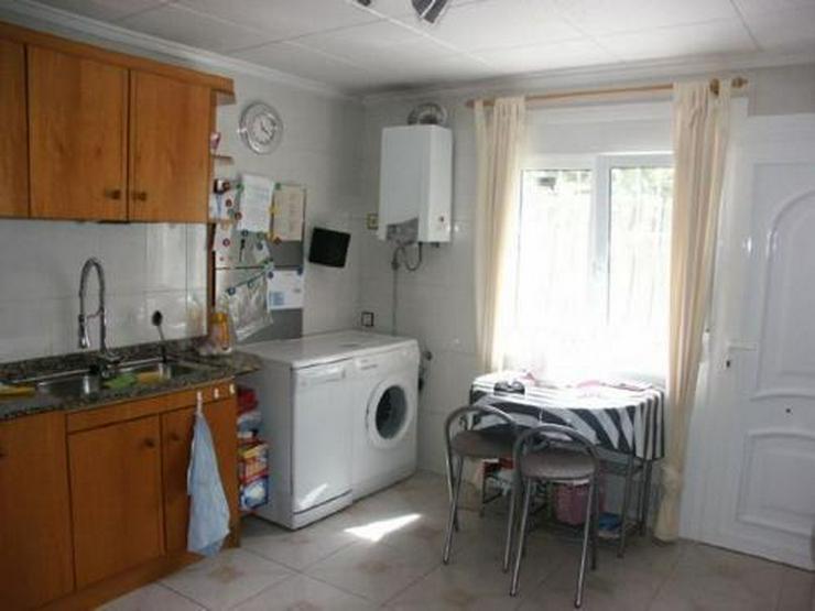 Bild 5: Villa mit Pool, Garage und Sommerküche