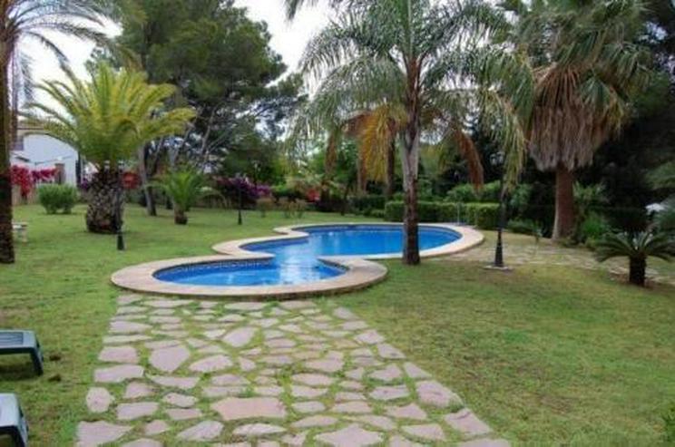 Bild 2: Neuwertige Villa in Portixol