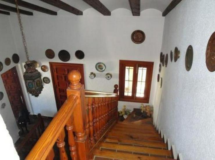 Bild 6: Großzügige Villa in erster Meerlinie