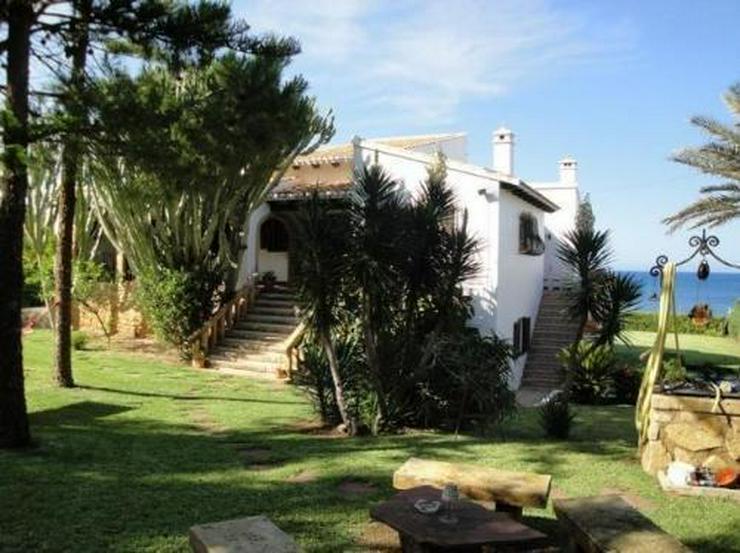 Bild 2: Großzügige Villa in erster Meerlinie