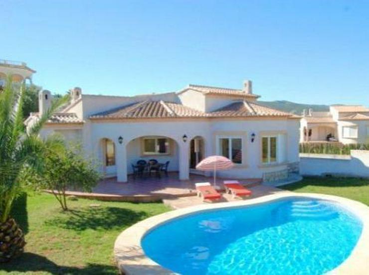 Komfortable Villa mit Pool - Auslandsimmobilien - Bild 1