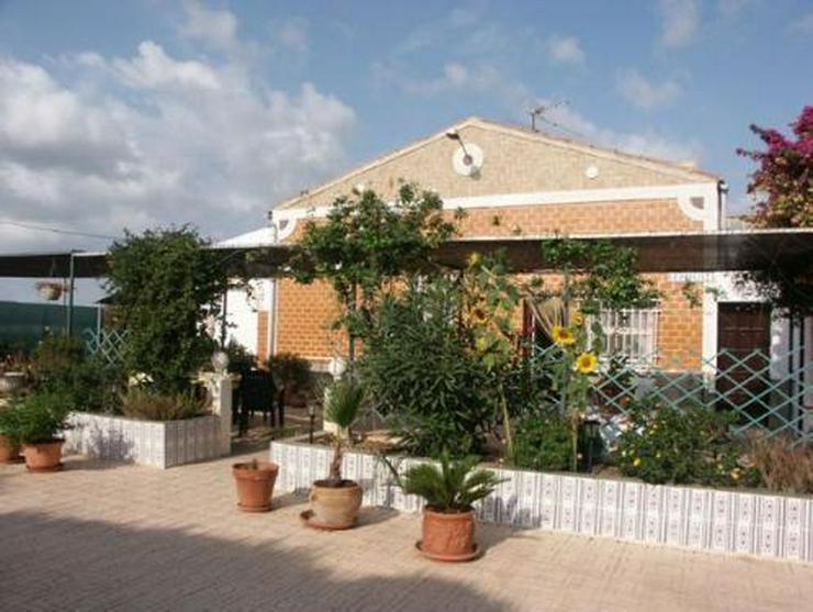 Dorfhaus mit 2 Wintergärten - Bild 1