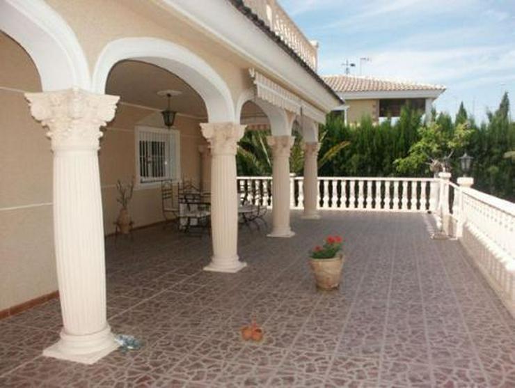 Bild 16: Exklusive und großzügige Villa mit Privatpool