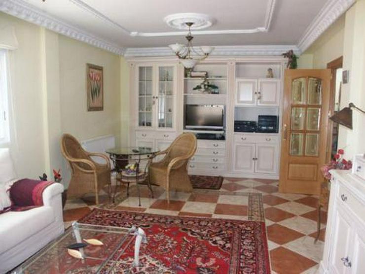 Bild 5: Exklusive und großzügige Villa mit Privatpool