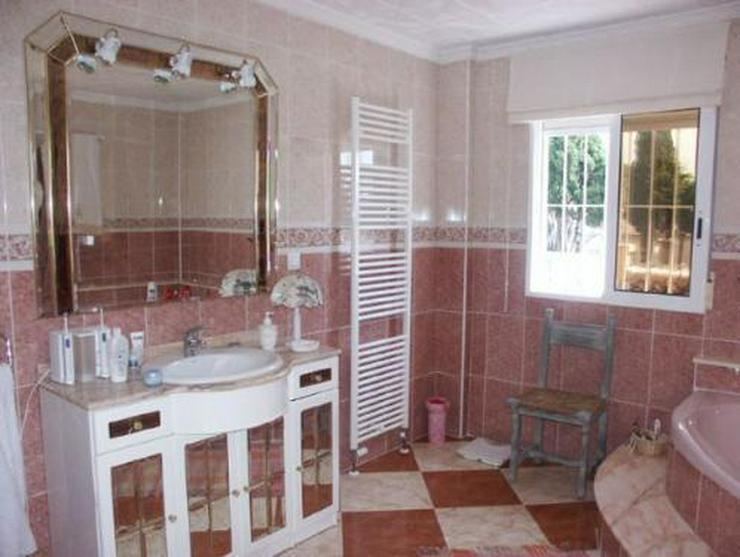 Bild 9: Exklusive und großzügige Villa mit Privatpool