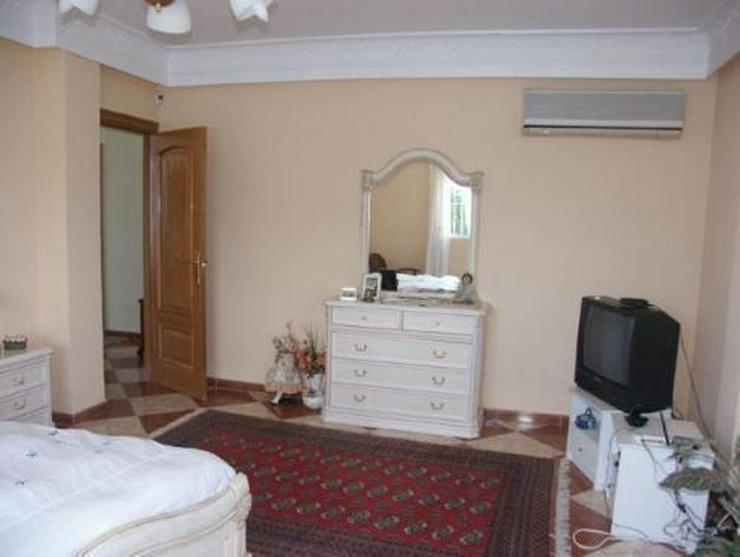 Bild 12: Exklusive und großzügige Villa mit Privatpool