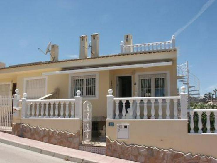 Top gepflegte Doppelhaushälfte mit Gemeinschaftspool - Haus kaufen - Bild 1