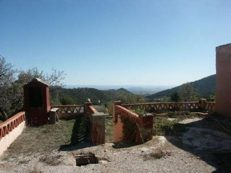 Grundstück mit Meerblick bei Tibi - Bild 1