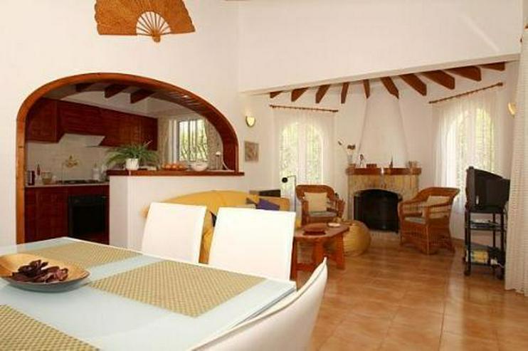 Bild 6: Gepflegte Villa mit Pool und Panoramablick