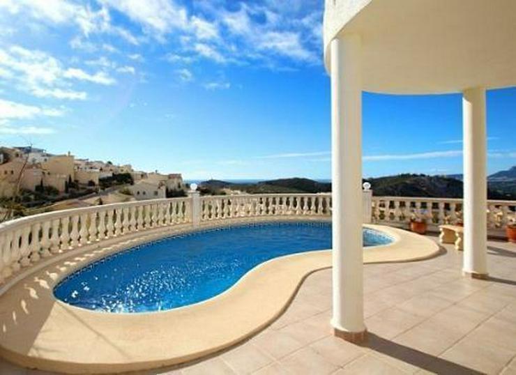 Villa mit wunderschönem Meer- und Panoramablick - Haus kaufen - Bild 1
