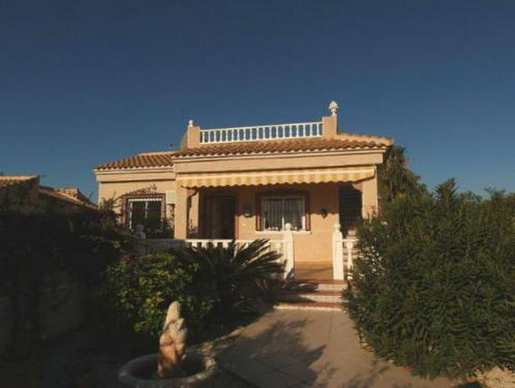 Hübsche Villa mit Gemeinschaftspool Nähe Golfplatz - Haus kaufen - Bild 1