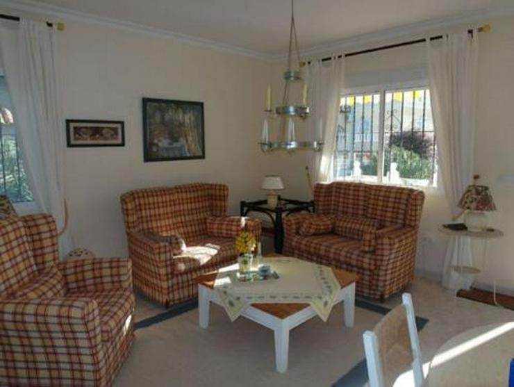 Bild 3: Hübsche Villa mit Gemeinschaftspool Nähe Golfplatz