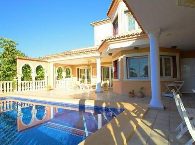 Exklusive Villa in maurischem Stil mit Meerblick