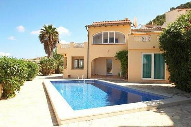 Villa mit zwei separaten Wohnungen und phantastischem Panoramablick