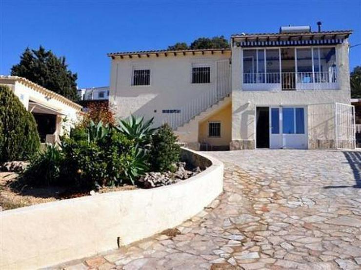 Villa mit zwei separaten Appartements und sehr schönem Panoramablick