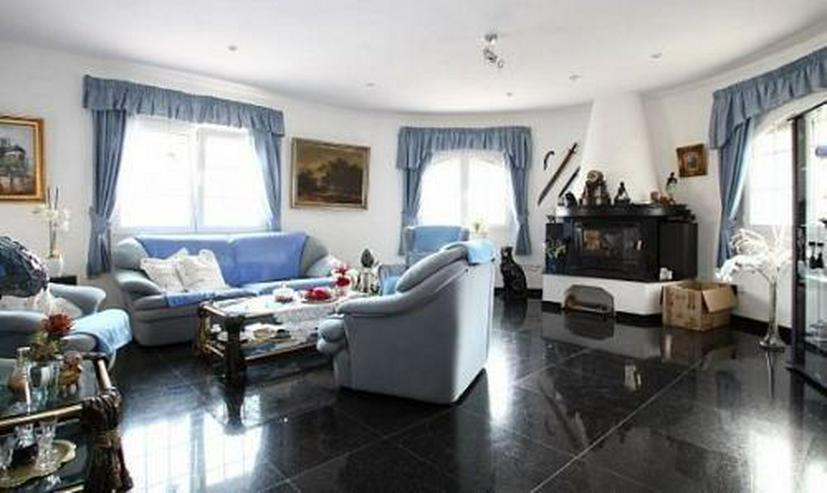 Bild 2: Komfortable Villa mit Meerblick in Benimeit