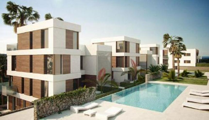 Penthouse-Wohnungen mit Gemeinschaftspool am Golfplatz - Bild 1
