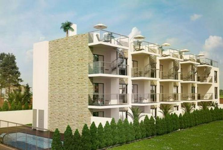Exklusive Wohnungen im 1. Stock nur 150 m vom Strand - Bild 1