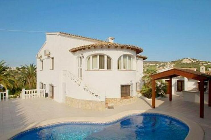 Villa mit Pool in der Region Sabatera - Auslandsimmobilien - Bild 1