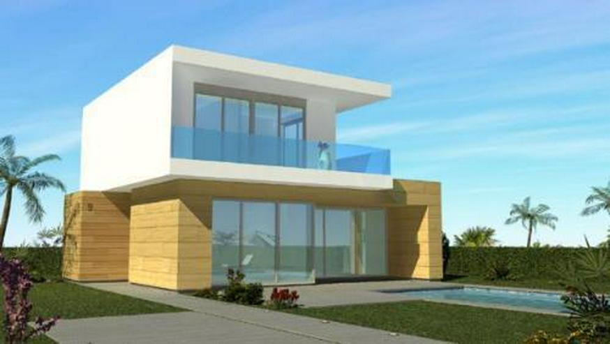 Moderne und großzügige Villen neben Golfanlage - Haus kaufen - Bild 1