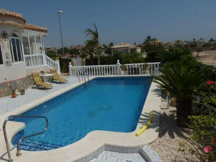 Bild 4: Top gepflegte Villa mit Pool und Sommerküche