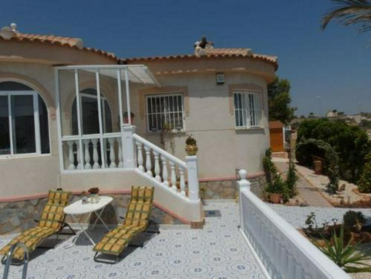 Bild 2: Top gepflegte Villa mit Pool und Sommerküche