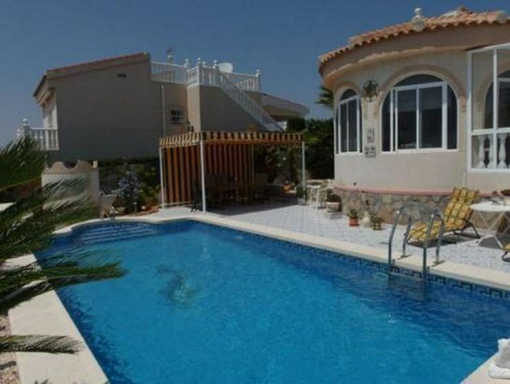 Bild 3: Top gepflegte Villa mit Pool und Sommerküche