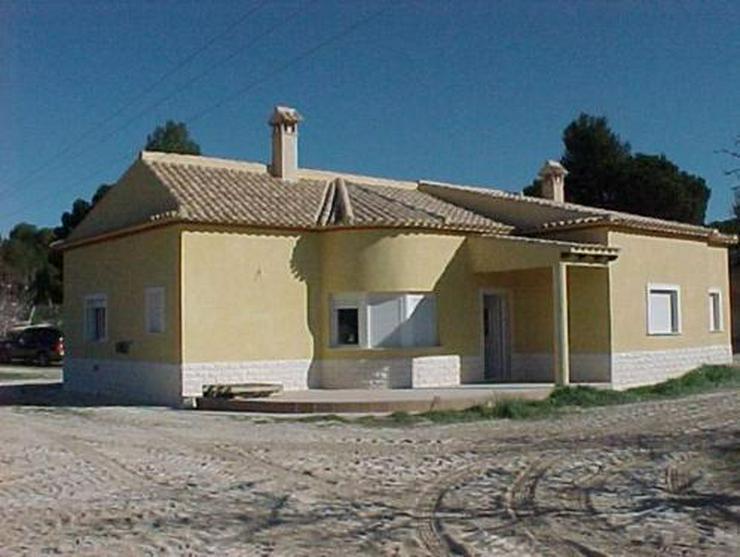 Neubauvilla auf Doppelgrundstück in Urb. Terol - Bild 1