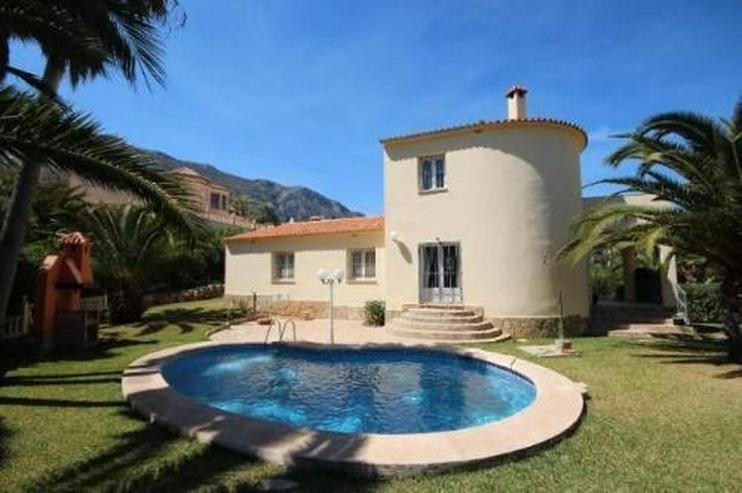 Grosszugige Villa Mit Pool Bbq Und Dachterrasse In Stadtnaher Lage