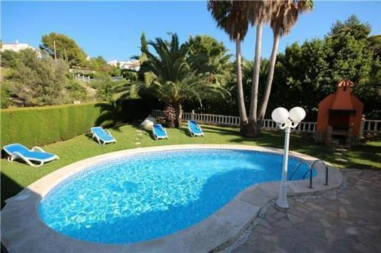 Bild 2: Großzügige Villa mit Pool, BBQ und Dachterrasse in stadtnaher Lage