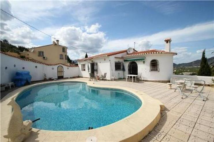Gemütliche Villa in idyllischer Lage mit Pool und Meerblick - Haus kaufen - Bild 1