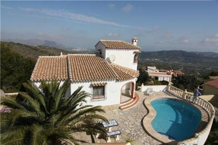 Gepflegte Villa mit Pool und spektakulärer Fernsicht auf das Meer - Haus kaufen - Bild 1