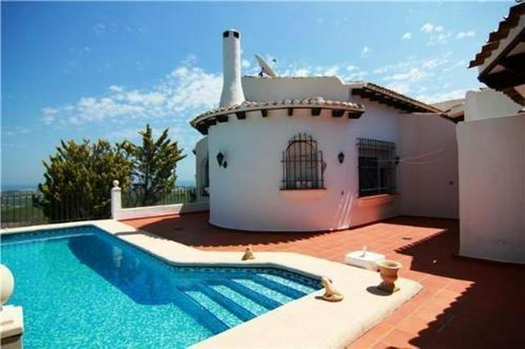 Villa am Monte Pego mit schönem Meerblick und großem Grundstück - Bild 1