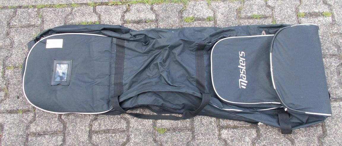 Bild 4: Golftasche und Schläger