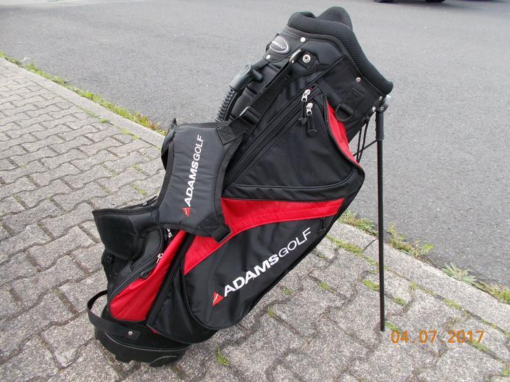 Golftaschen und Schläger