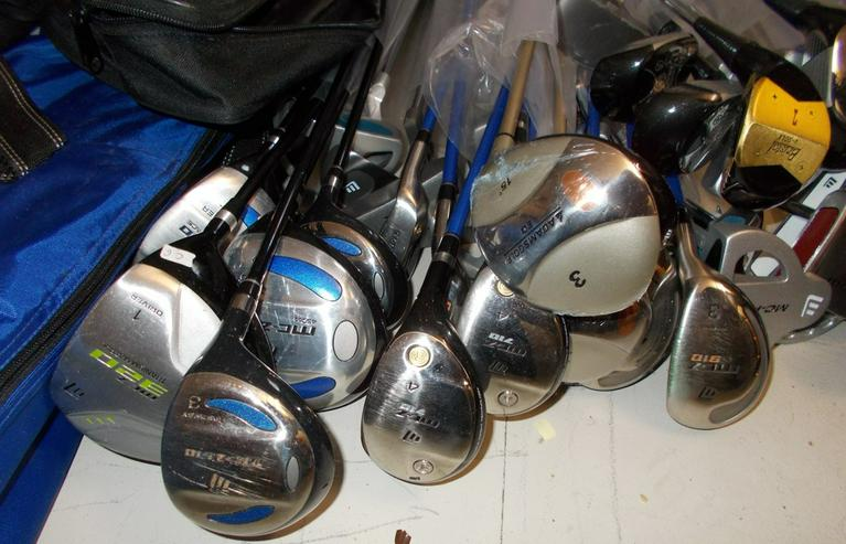 Bild 2: Golftasche und Schläger