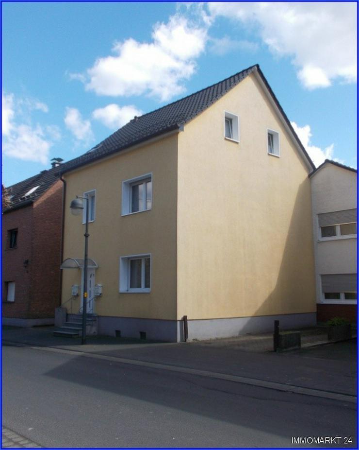 ***Saniertes Zweifamilienhaus für Kapitalanleger*** - Haus kaufen - Bild 1