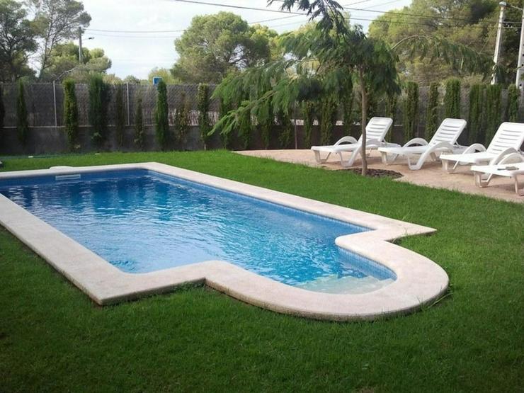 Bild 4: Moderne Doppelhaushälfte mit Pool und Garten in Cala Pi