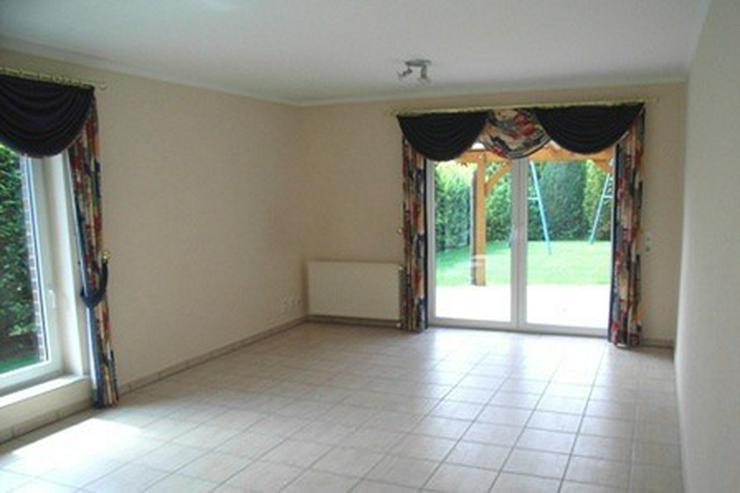 Bild 4: Topgepflegtes, großzügiges Wohnhaus mit zwei separaten Wohnungen, Sauna, überdachter Te...