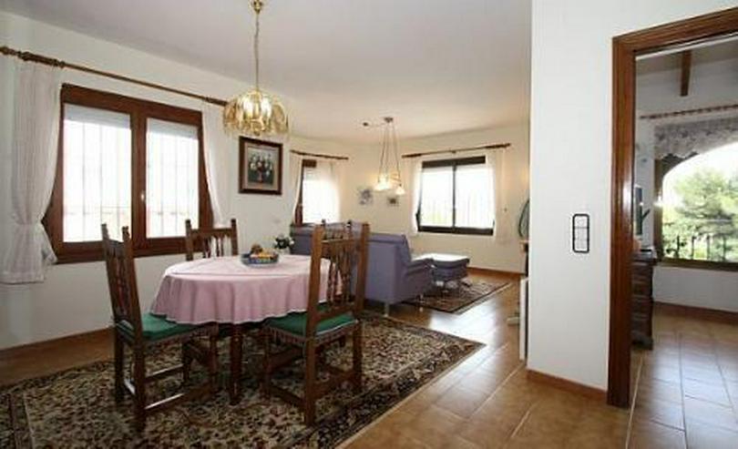 Bild 2: Sonnige Villa mit Pool, Gästeappartement und großer Terrasse