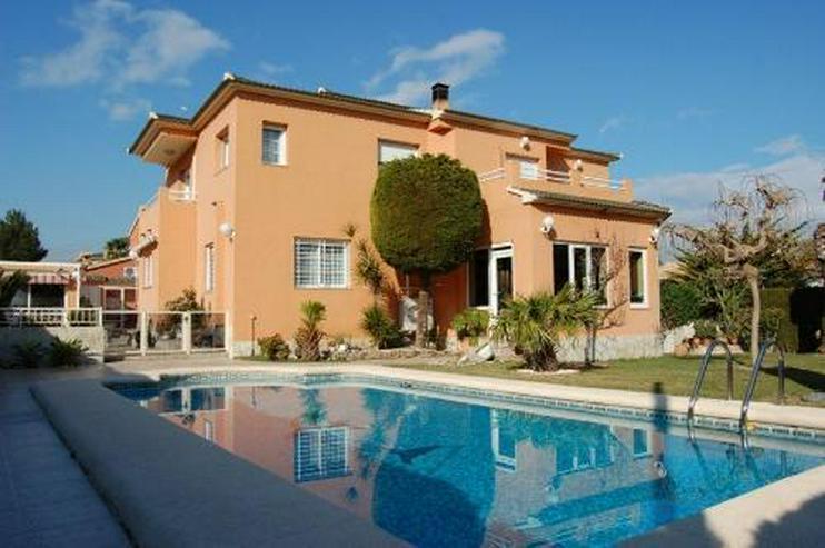 Großzügige Familienvilla mit Pool in Pedrera