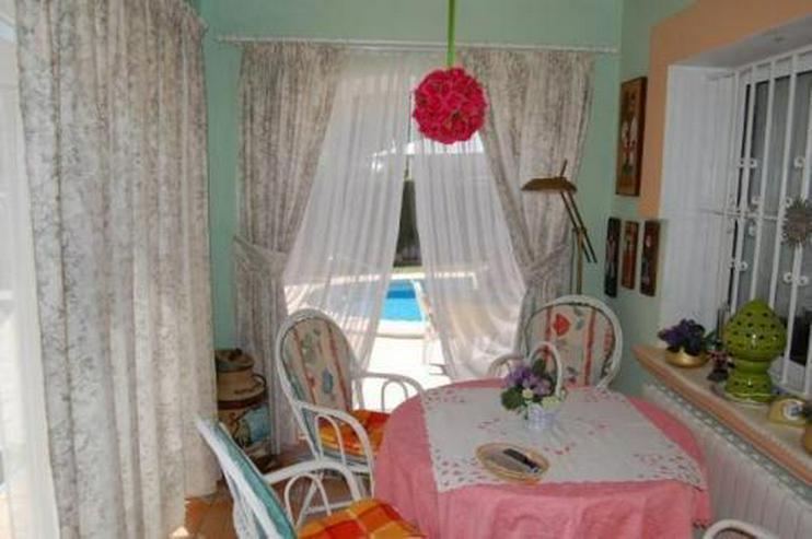 Bild 3: Villa mit Gästeappartement und Pool