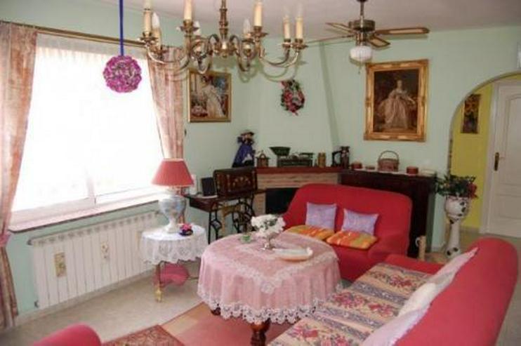 Bild 5: Villa mit Gästeappartement und Pool